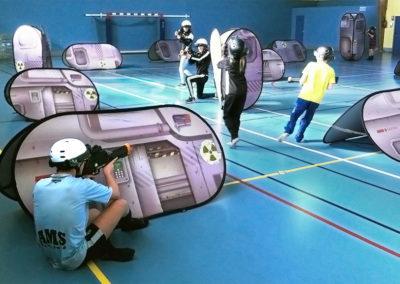 Session de laser game en intérieur